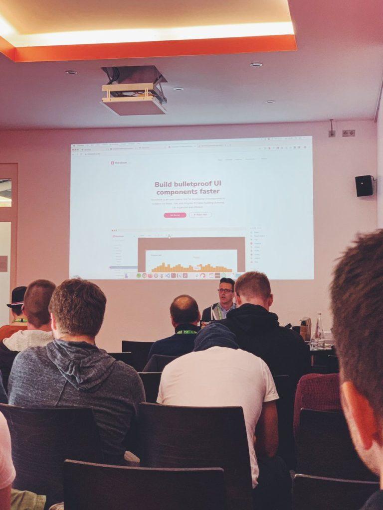 Philipp von PHMU auf Barcamp Vue